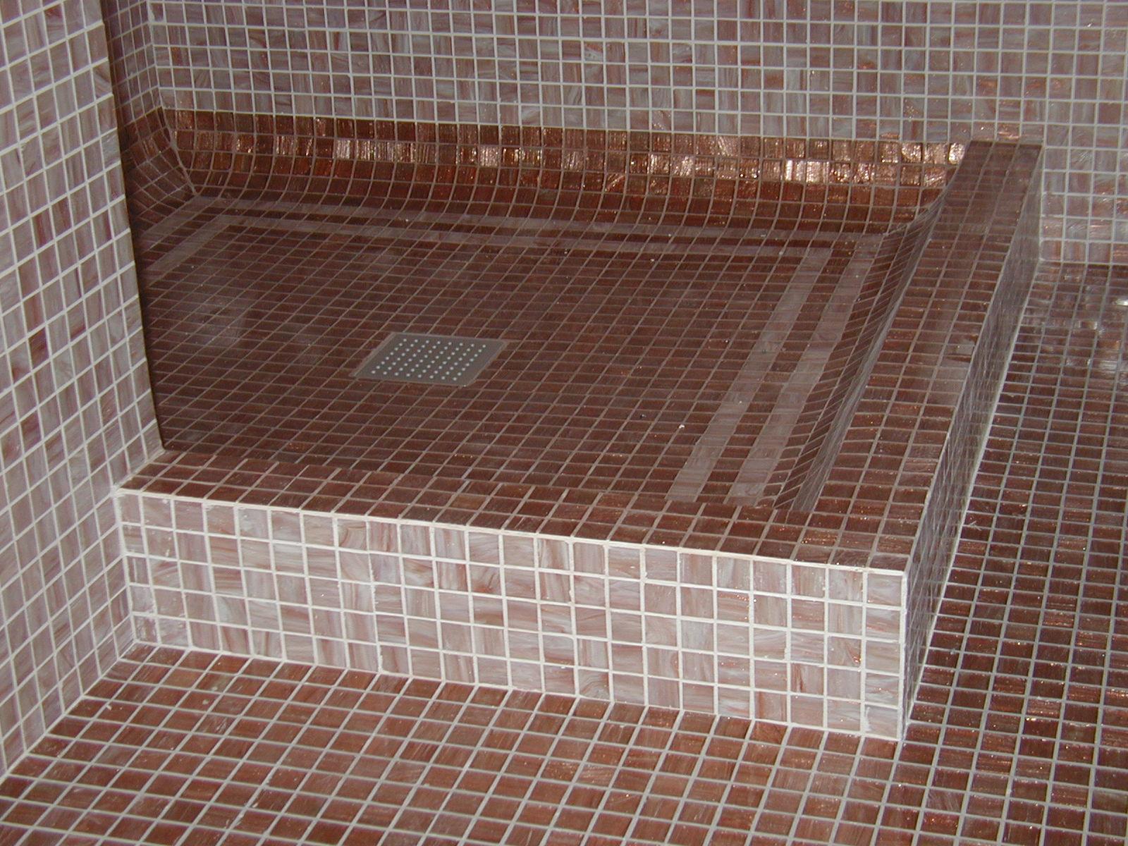 Metro quadro chioggia - Doccia a pavimento mosaico ...
